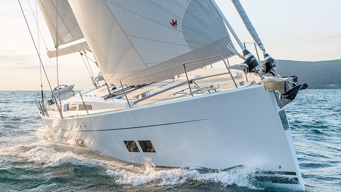 Luxury Yachts and Sailboats 4