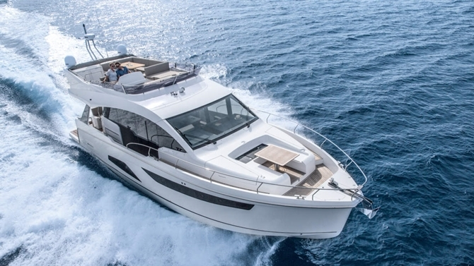 Luxury Yachts and Sailboats 8