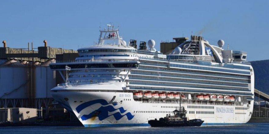 COVID-19 hit Carnival Cruise Ship docks in Australia