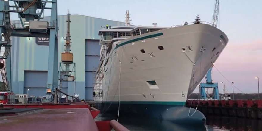 Crystal forced to postpone new expedition ship launch