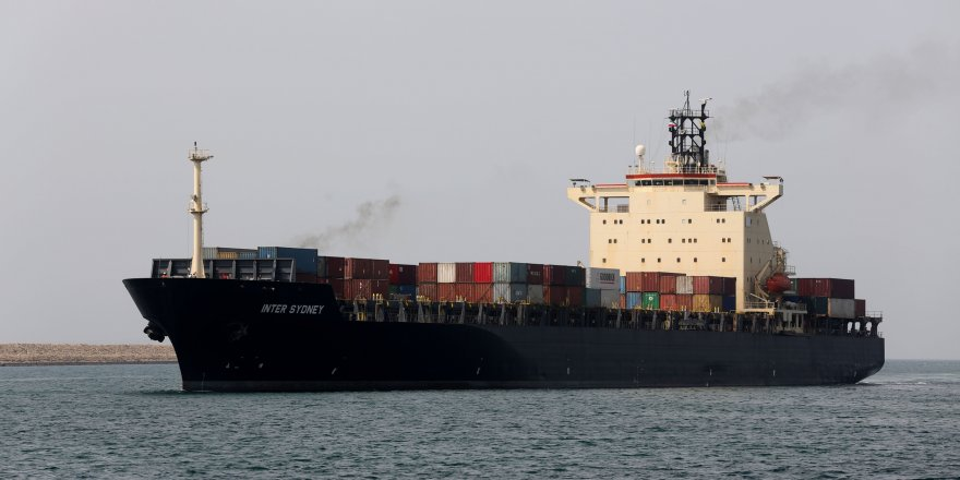 Pirates kidnapped 10 crew members from an oil tanker off Nigeria
