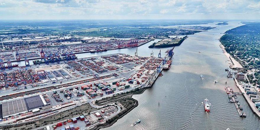 Germany's largest port reports steep declines in cargo volume