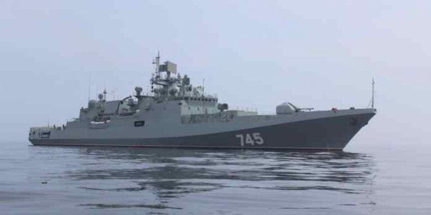 Russian frigate sails away to the Indian Ocean