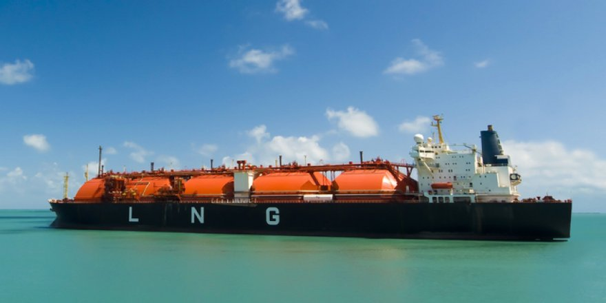 LNG exports of U.S. drops more than a third