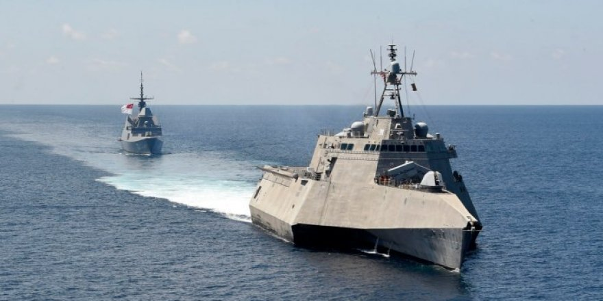 U.S. and Singapore navies exercise in South China Sea