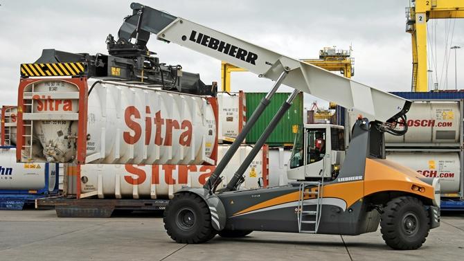 New Liebherr LRS 545 Reachstacker for Dublin