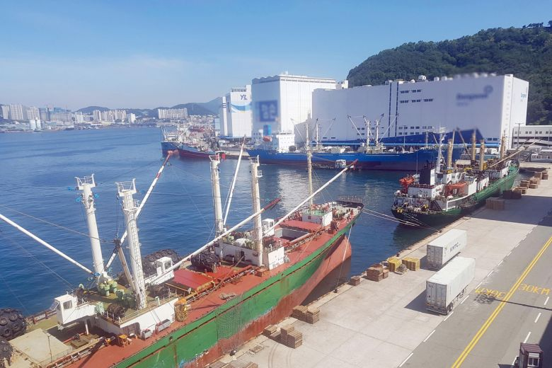 Port of Busan partially shut down due to a suspicious Russian ship
