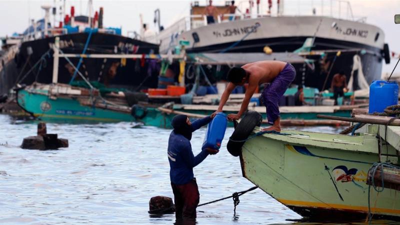 14 Filipinos missing from fishing boat