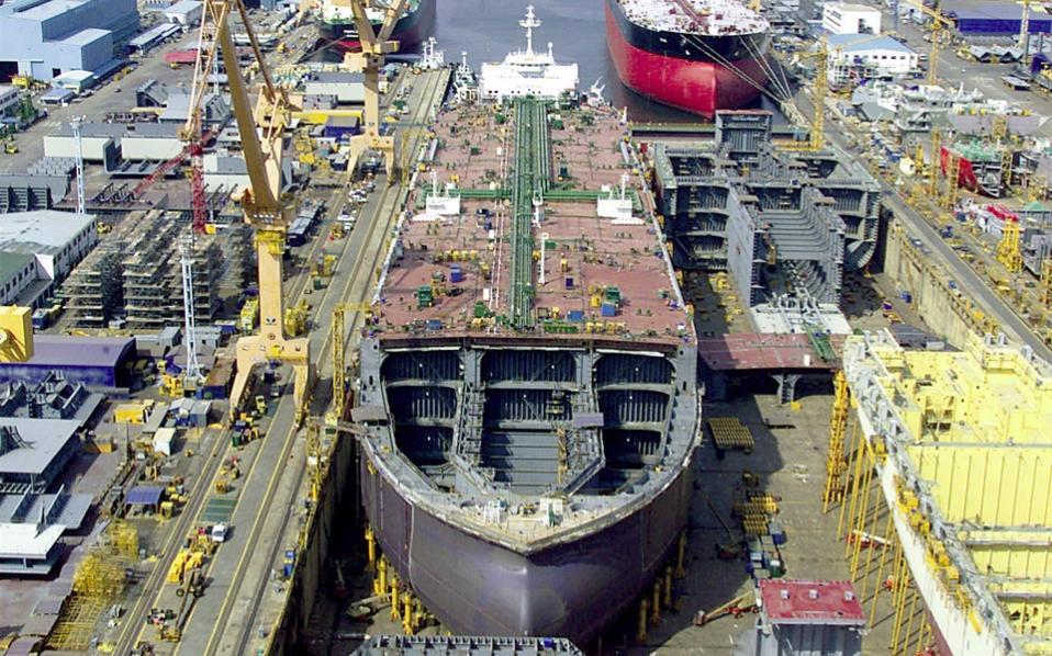 Korean Shipbuilders work on eco-friendly ships