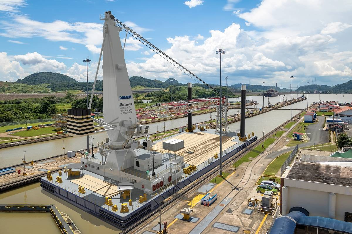 Damen builds 75-meter crane barge