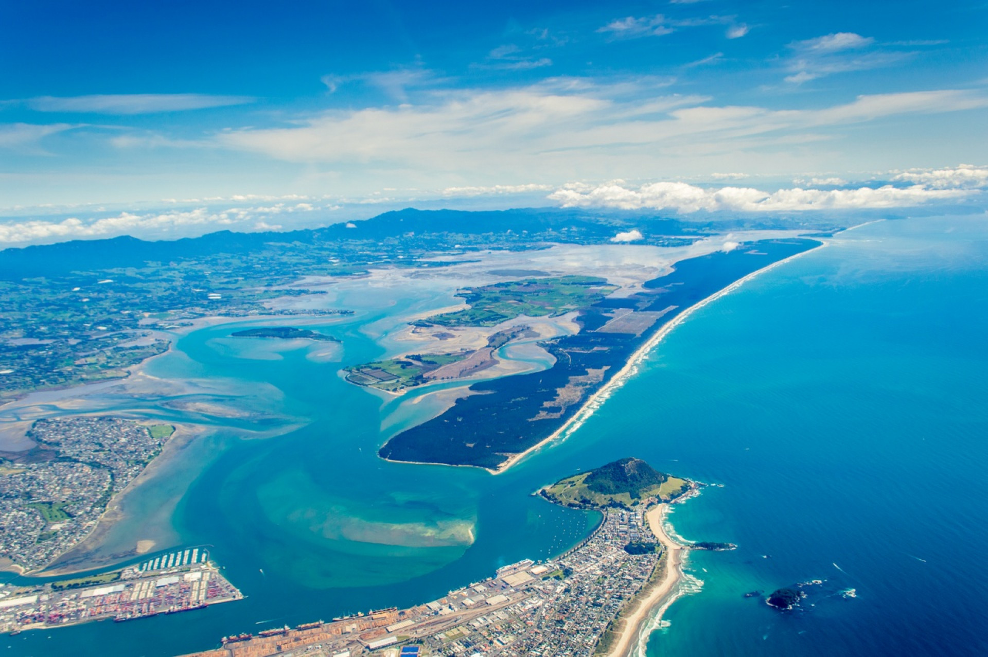 Log carrier loses power off the coast of New Zealand