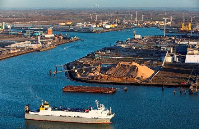 North Sea Port to build a green hydrogen plant