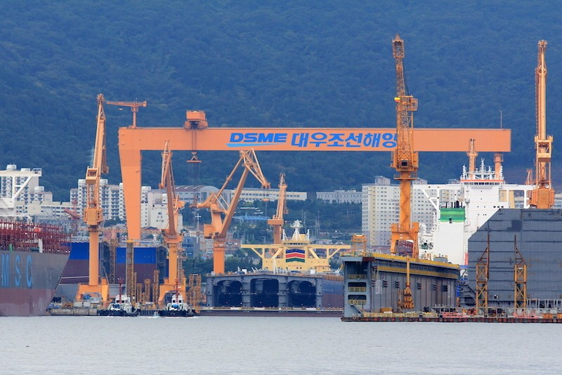 Shipbuilders of Korea, China, and Japan competing for LNG-powered vessels