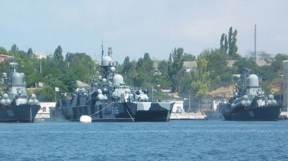Black Sea Fleet of Russian Navy takes part in KAVKAZ-2020 maneuvers