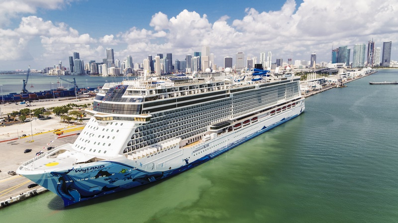 Norwegian Cruise Line extends voyage suspension until the end of november
