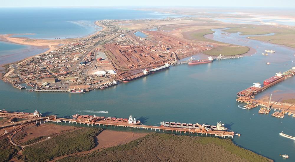 Bulk carrier with a coronavirus outbreak on board leaves Australia