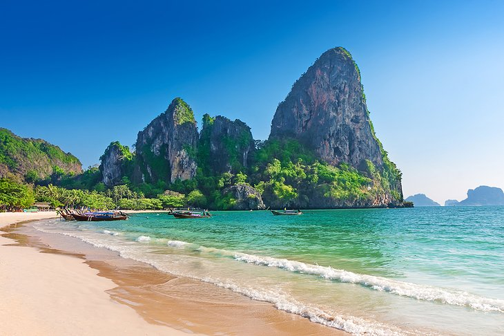Thailand eases coronavirus restrictions for sea tourism