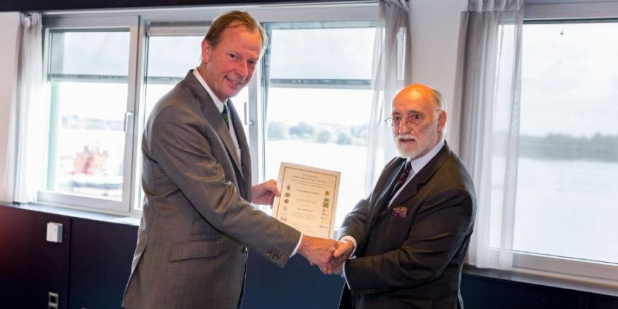 Damen CEO René Berkvens receives CEMT award