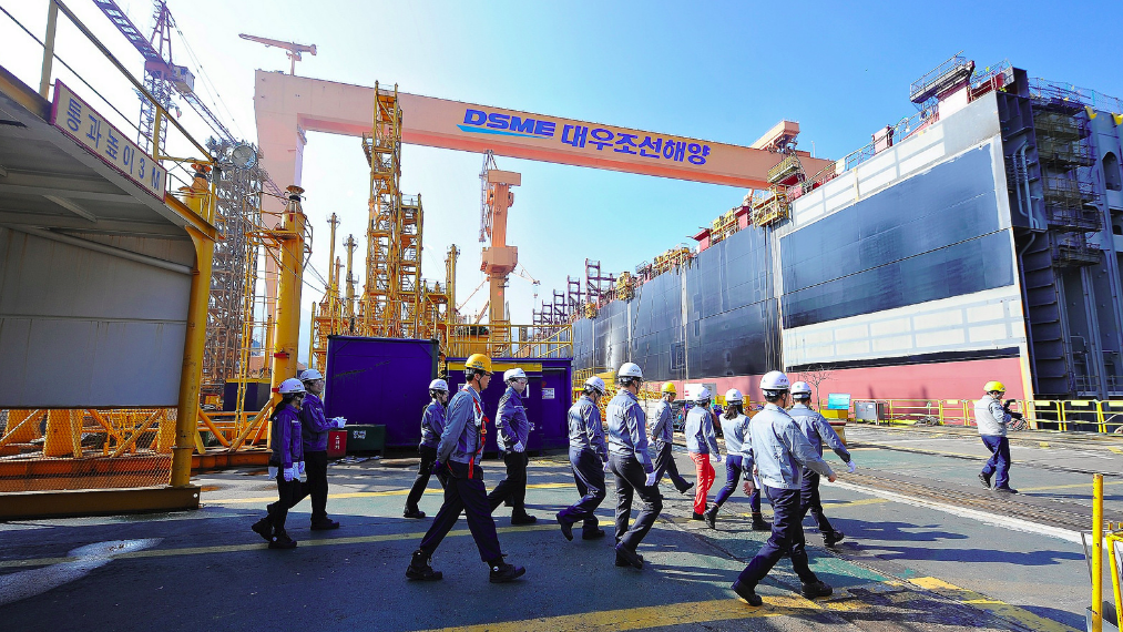 Daewoo receives $652 million deal to build 6 ULCVs