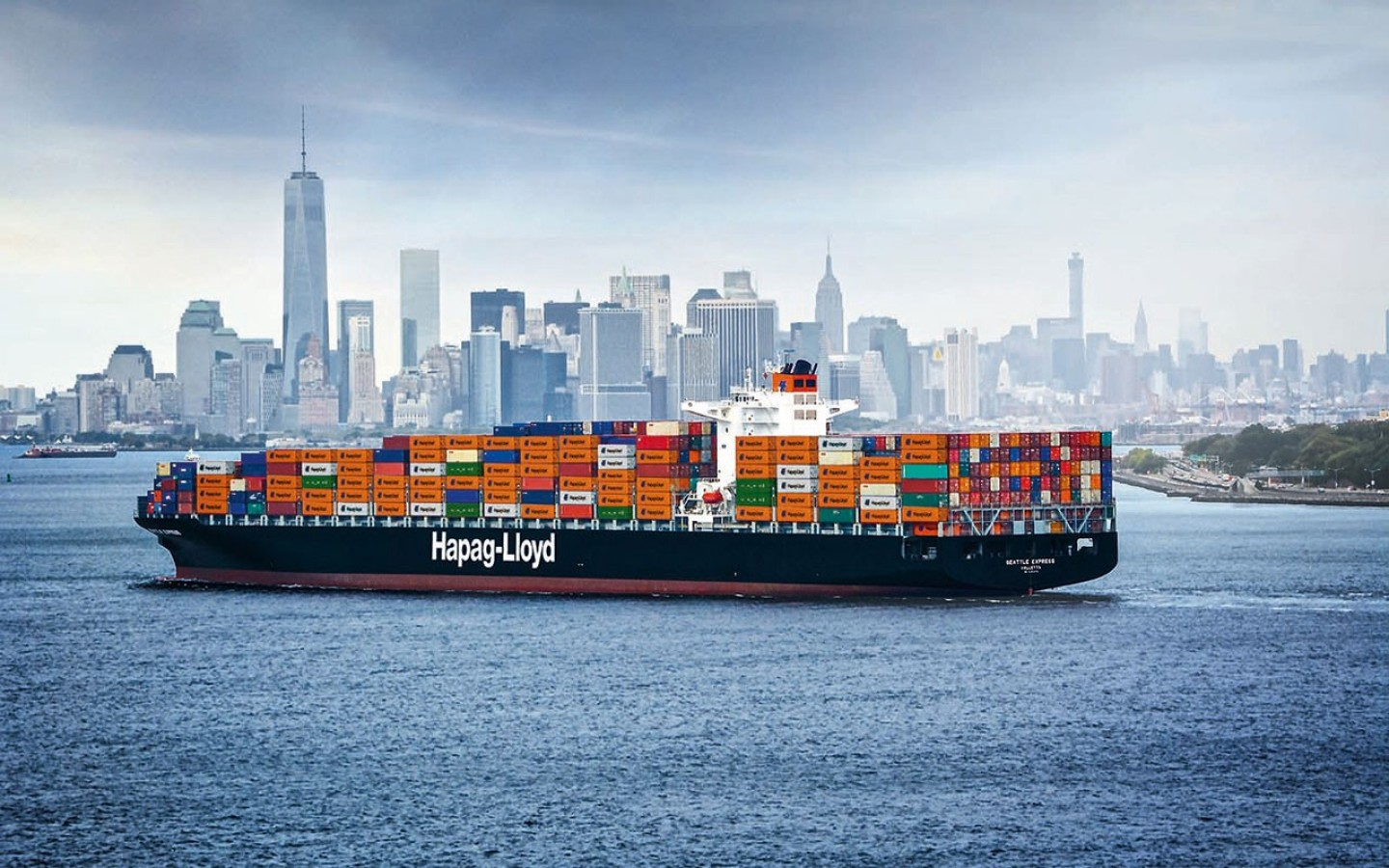 Hapag-Lloyd reports two COVID-19 cases on its ships