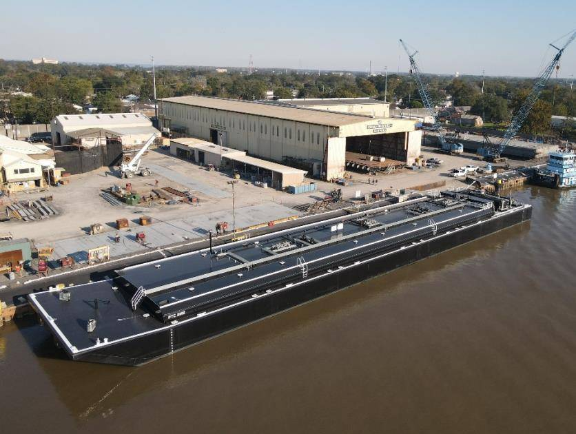 Parker Towing receives asphalt barges from Conrad Shipyard