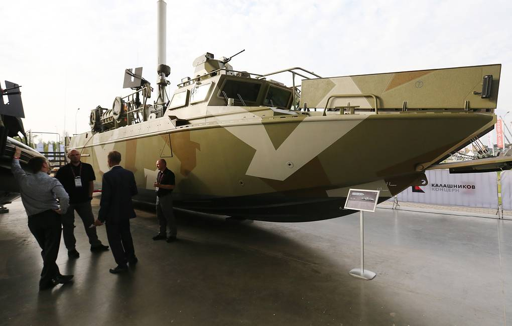 Russian Navy receives fast-speed landing craft for special forces