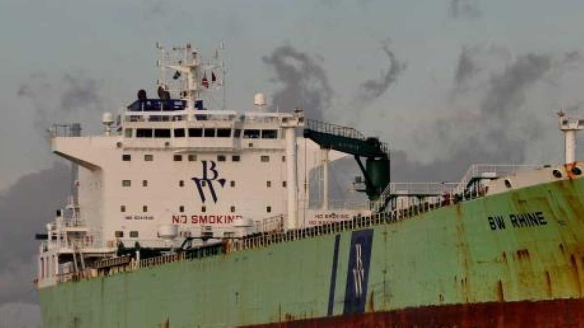 Hafnia tanker gets hit from an external source at Jeddah