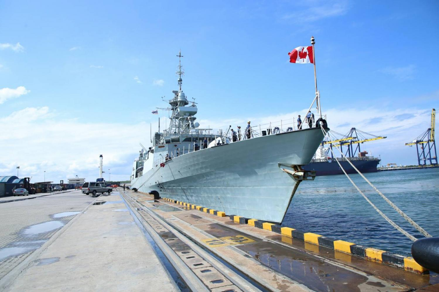 One member of the Canadian Armed Forces missing from HMCS Winnipeg