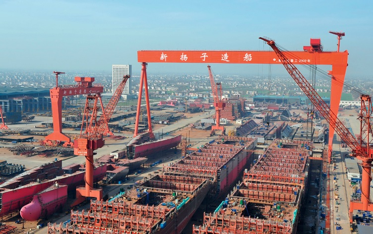 Yangzijiang receives 24,000 TEU boxship deal for world's largest ULCVs