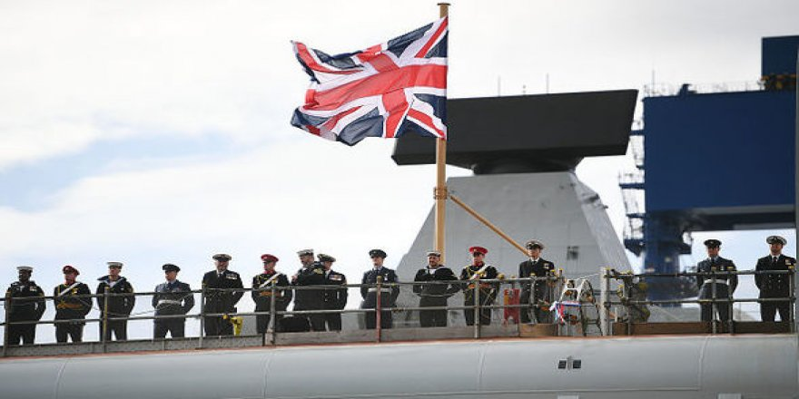 British Royal Navy confronts Spanish vessel in Gibraltar