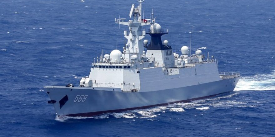 Chinese Navy sends a fleet to Gulf of Aden for the counter-piracy mission