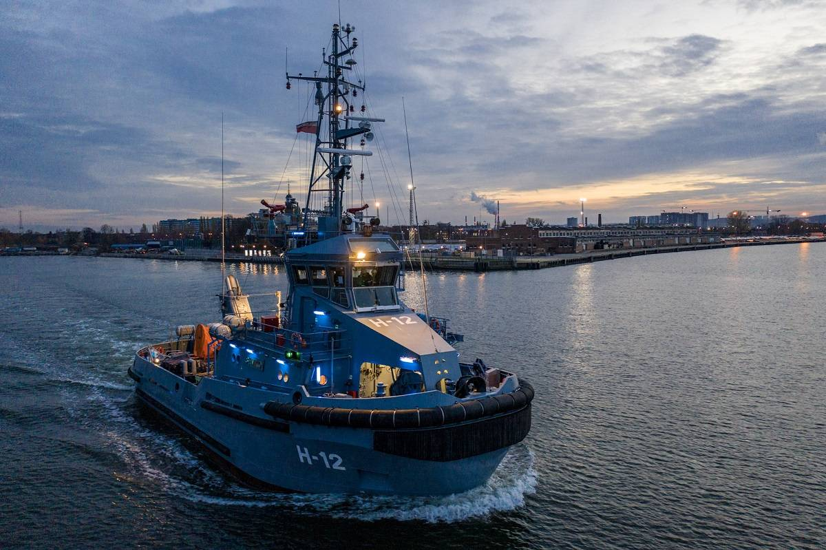 Polish Navy receives six tugboats from Remontowa
