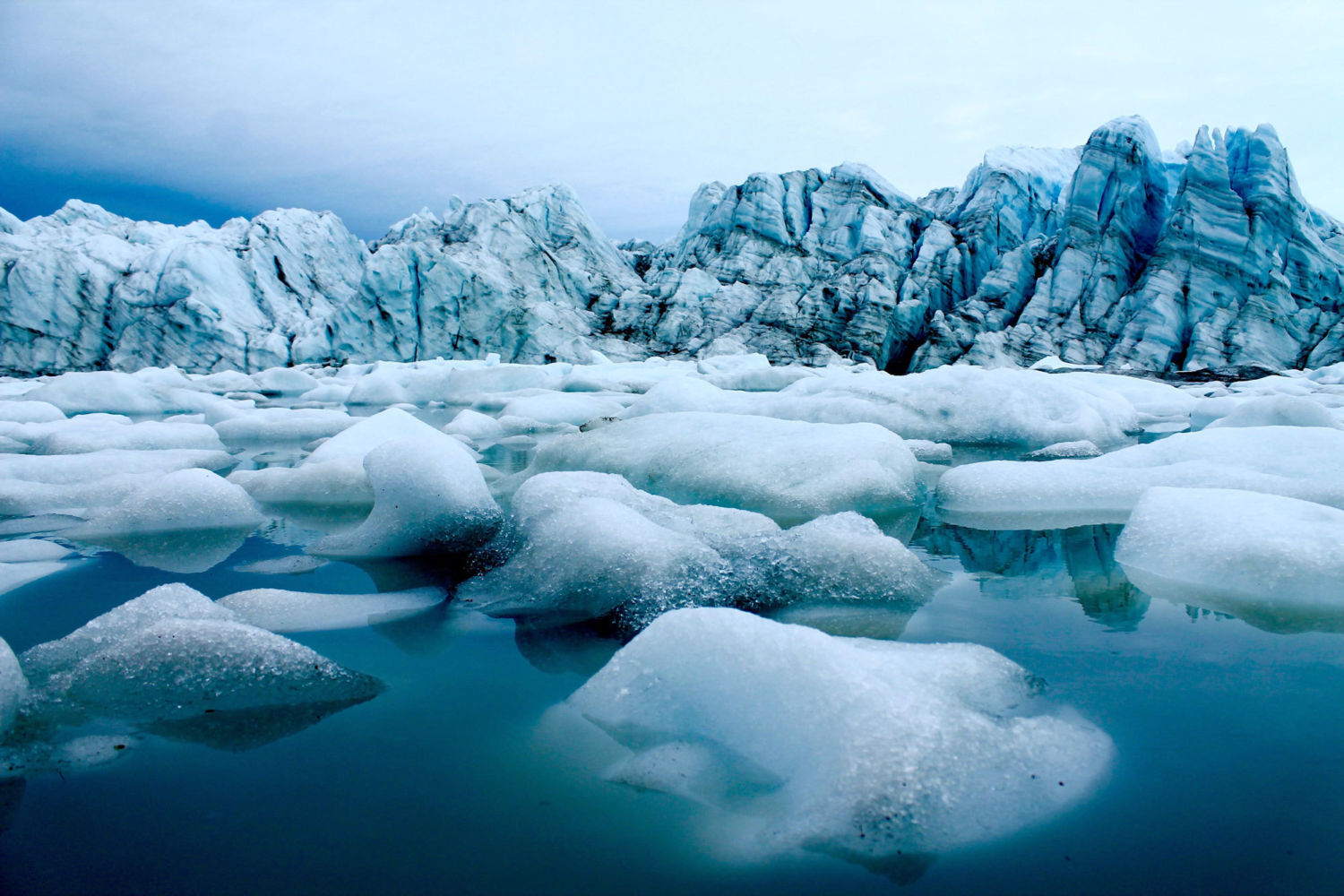 Increasing temperature threatens individual glaciers in Greenland's fjords
