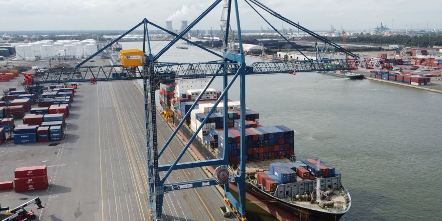 Antwerp Terminal orders two Liebherr ship to shore container cranes