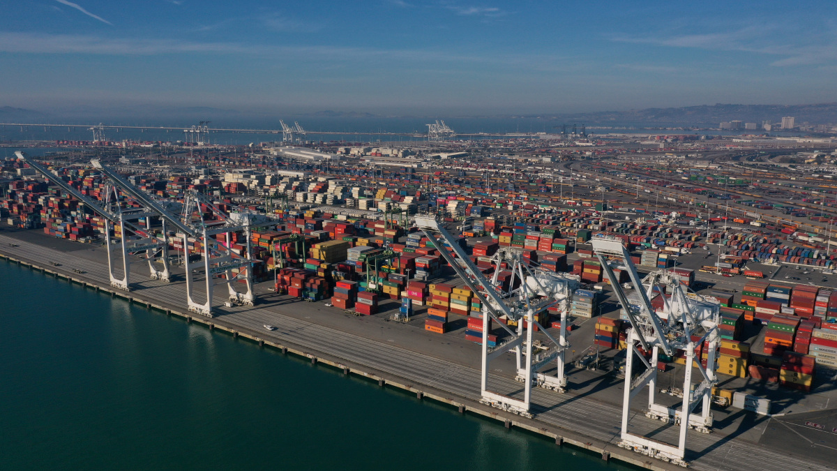Oakland Port welcomes first call Asia service of CMA CGM
