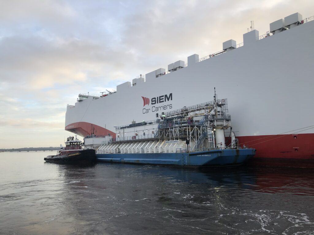 JAXPORT completes its 1st ship-to-ship LNG bunkering of foreign-flagged vessel