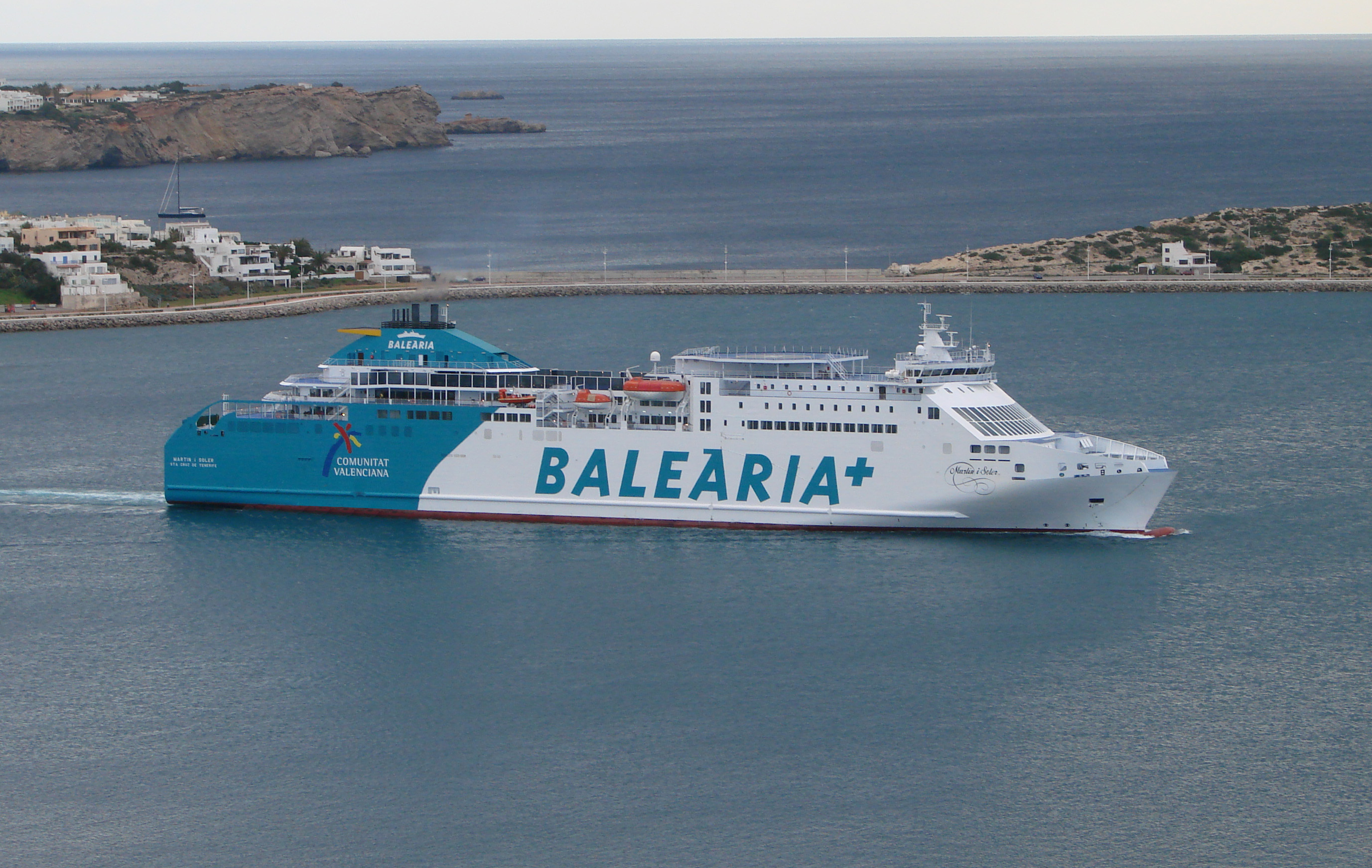 Spanish ferry operator Baleària starts sea trials of LNG-powered fast ferry