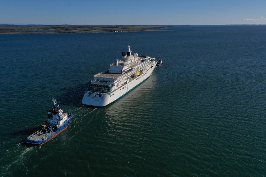Crystal Endeavor starts sea trials
