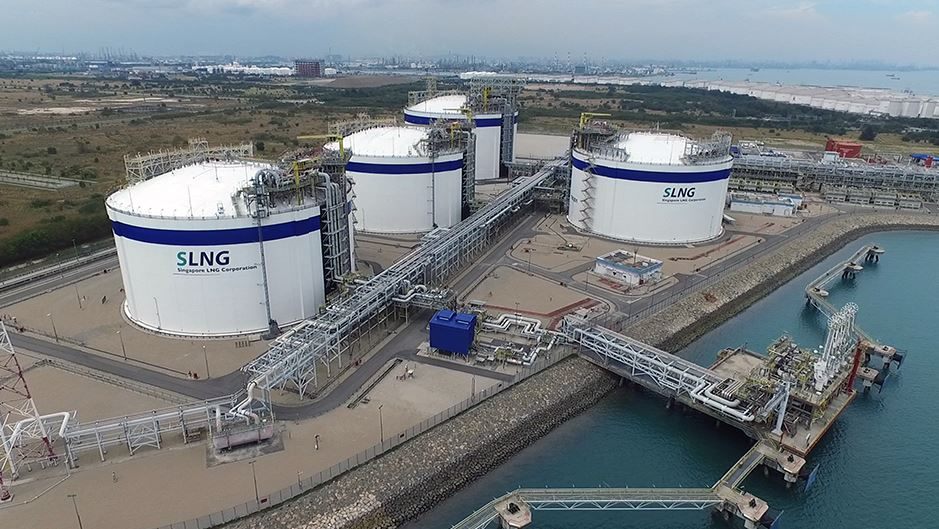 Singapore awarded new LNG bunker supplier license to Total's subsidiary