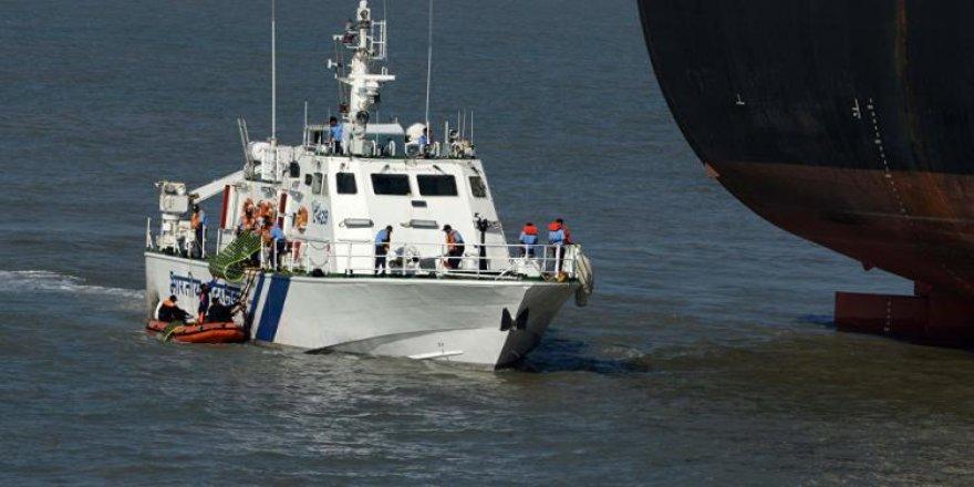 Abandoned dredger remains afloat in Arabian sea