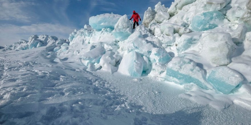 Researchers found an ice floe on which to set up camp