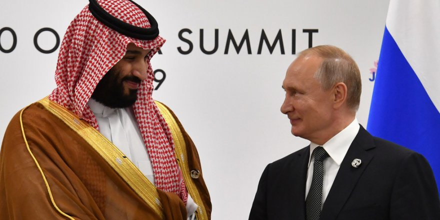 Putin heads to Saudi Arabia to discuss oil prices