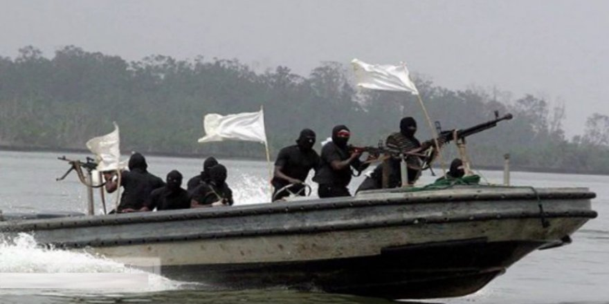 Pirates kidnap four Greek sailors in Togo