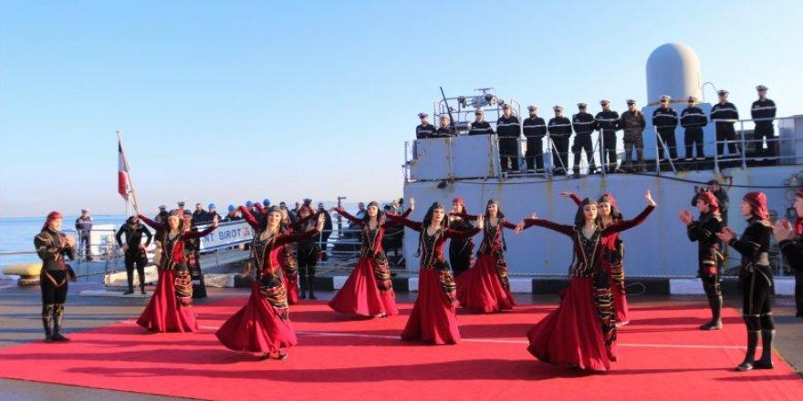 Georgian president Zurabishvili visits French navy warship in Batumi