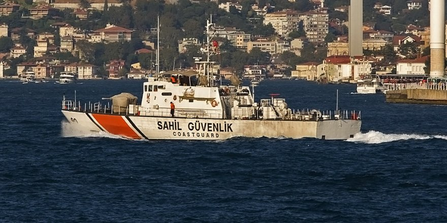 3 killed after fishing boat collides with oil tanker in Istanbul