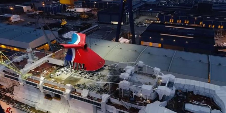 Carnival Cruise's Mardi Gras gets her funnel