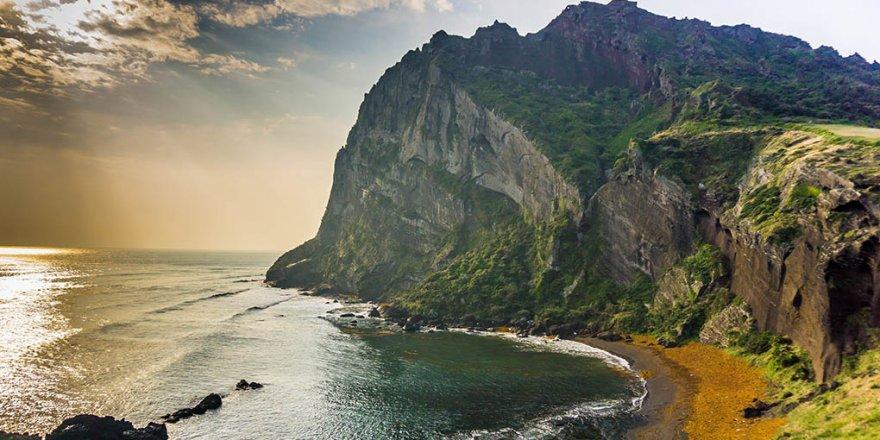 Jeju tourism industry hit hard by coronavirus