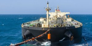 Oil in floating storage more than doubles within four weeks