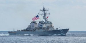 US Navy sails warship near Taiwan