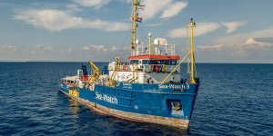 Italian authorities seizes charity rescue vessel